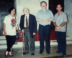 Schalom Ben-Chorin in Jerusalem; v. re.: Amos Löwenthal, W. Stegemann, Ben-Corin